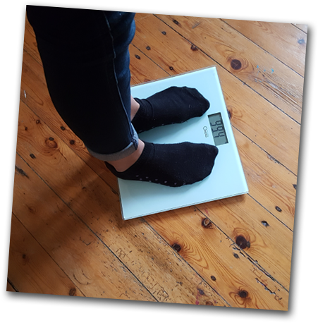 how a great deal does the frequent 14 twelvemonth well-known feminine weigh